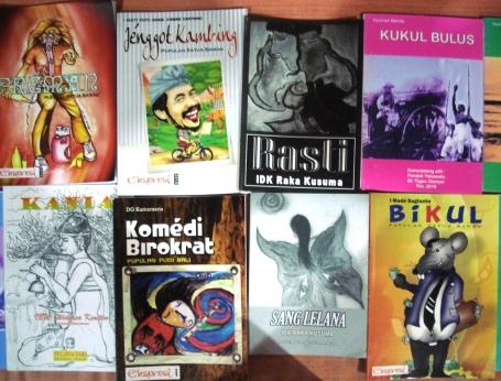Buku sastra Bali modern yang terbit sepanjang 2010, berupa antologi cerpen, puisi, dan novelet. Foto: Darma Putra.
