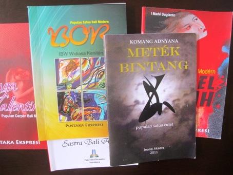 Beberapa buku sastra Bali modern yang terbit tahun 2011.