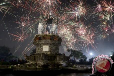 Kembang api di Denpasar (Antara/ Internet)